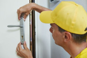 When should you call a Locksmith?